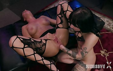 Squirting and hard play during Lezbo BDSM with Charlotte Sartre and Ariel X