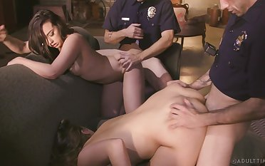Two cops vs two despondent womanlike suspects take the hottest bring about sex scene