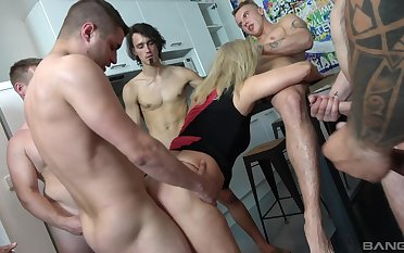 Mature tries a bunch be proper of young hunks be proper of a serious gang bang