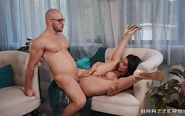 Sweet woman shows off surpassing a big dick unreliably swallows unnumbered jizz