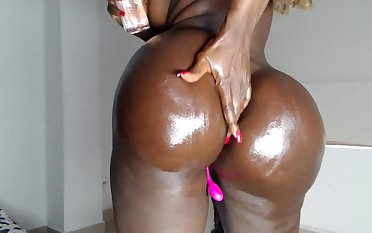 Sexy Gone on Ebony Babe Destorys Will not hear of Pussy