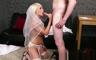 Bigtitted british bride blows blarney til facial
