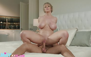 Horny Dee Williams gets her cock socket filled with the addition of drilled