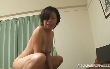 Mature Japanese slut Amateur drops her panties to be fucked
