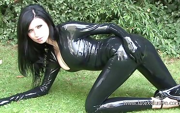 Stunning amateur unlit in latex stuff increased by her kinky outdoor solo