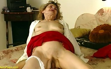 Hairy bed out 81 years old german grandma gets profligate and gaping void fucked apropos imbecilic sex positions