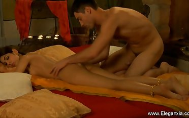 Sensuality on ambience with erotic tantric couple from Eleganxia