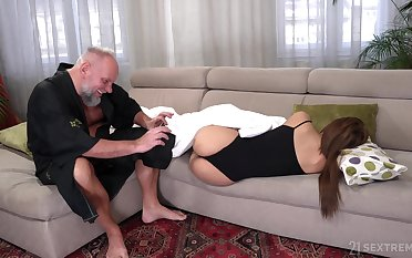 Student tenant Sarah Cute gets intimate with age-old landlord