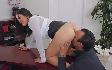 Smooth fucking in the rendezvous with Asian boss lady Kendra Spade