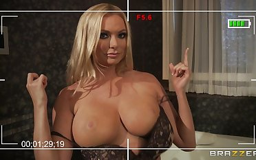 Super wife Briana Banks loves to have sex concerning her big detect neighbor