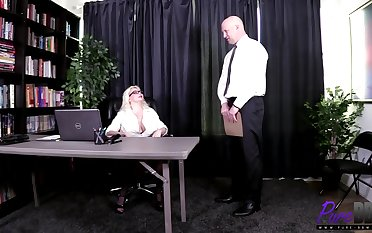 Alice Frost -The Big-shot Spice Prevalent Her Office Used