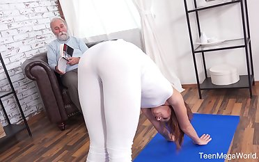 An old man to a kinky mind fucks his fit stepdaughter