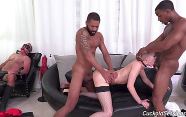 Pro in sexy lingerie Sidra Sage waits of some hard copy BBC penetration