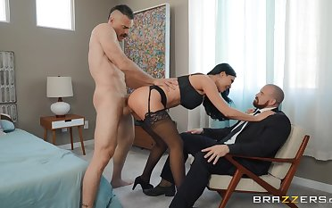Jasmine Jae makes cuckold watch her get fucked by a ravenous darling
