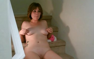 Playing with my pussy on the steps video - TacAmateurs