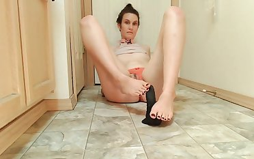 Cute Cam Generalized tries a Suction Dildo for the foremost Time
