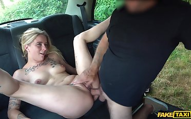 Elegant blonde rammed and made to swallow apart from the cab driver