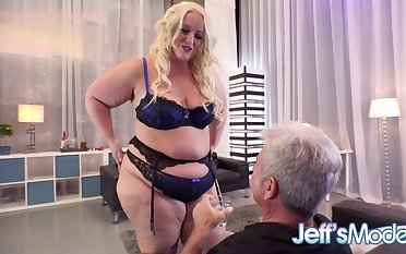 BBW Seductress Zoey Skyy Puts greater than a Tantalising Solo Show for an Old Man