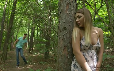 Amazing quickie in the local woods with horny babe Vyvan Hill
