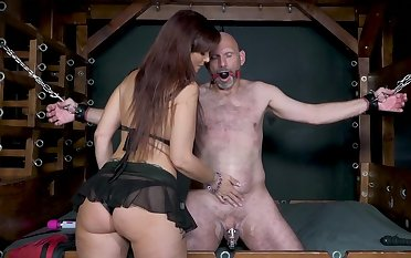 Good slave earns the relevant to fuck the big-tittied bit of skirt