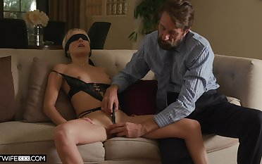Sexy wife Misha Mynx receives an erotic bang from a domineering stranger