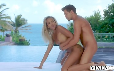 Picturesque Sex in excess of the Beach relative to Blonde Model Romy