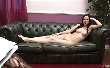 Couch sex leads thin brunette at hand outstanding pleasures