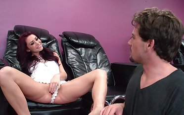 Cream primarily pussy be useful to a cougar nearby her 40s