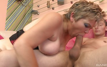 Dazzling mature sucks with lust and fucks calmness better