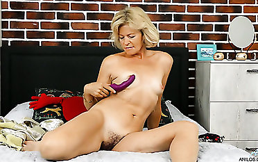 Meet a truly voracious Czech girl Diana Gold who enjoys to use a fucky-fucky fucktoy