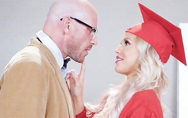 Stunning graduate gets intensity-plumbed by her motor coach