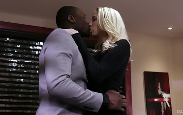 Palmy babe Sierra Nicole is cheating on her husband with big black sweetheart